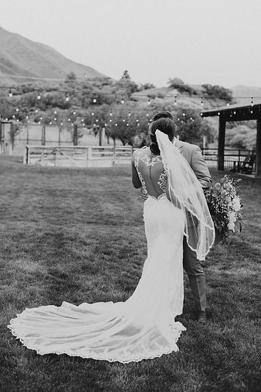 Sneakpeeksweddingday-28.jpg