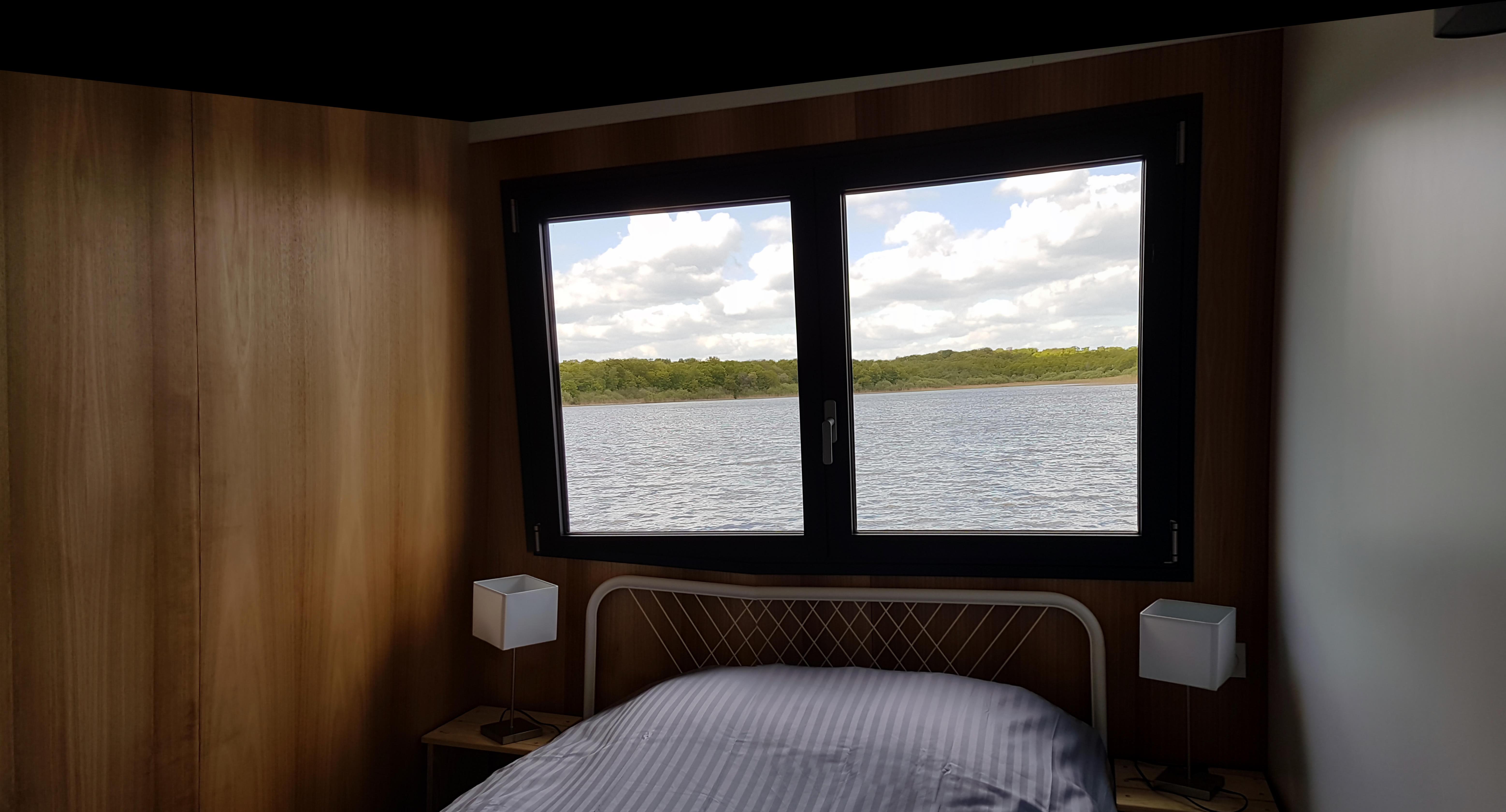 aperçu chambre lodge sur l'eau