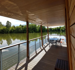 terrasse maison sur l'eau
