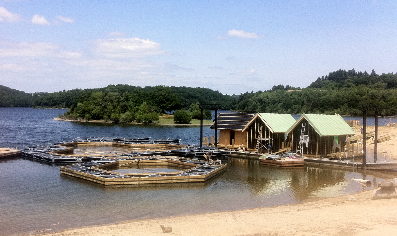 chantier chalets flottants St Gérons