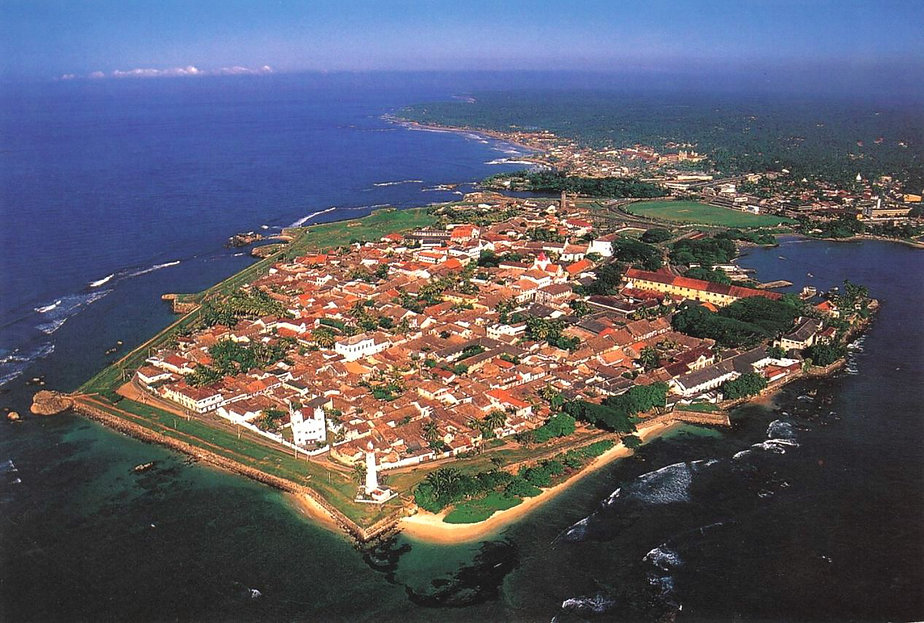 Fort Galle seen from the sky.jpg