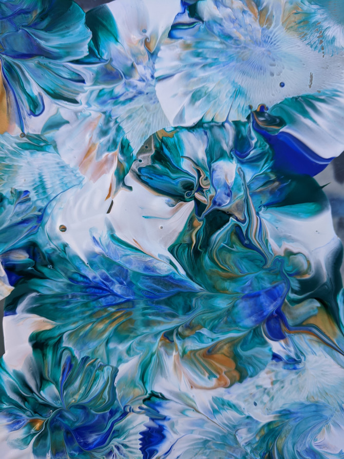 Make waves to swim in : Painting in Virtual Reality
