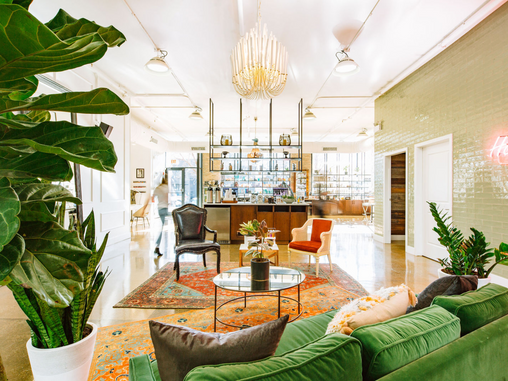 Gold Dust Woman:  Solo Salon's Elizabeth Street Location Gives Major Stevie Nicks Vibes