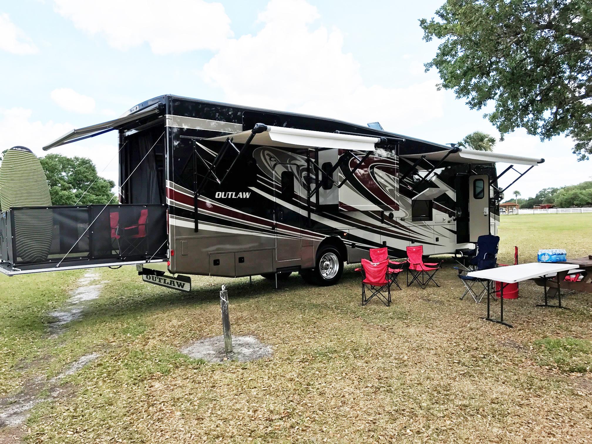 Thor Outlaw RV Rental Florida