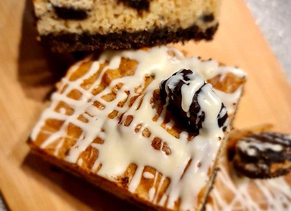 6 Grazable Cookies And Cream Blondies