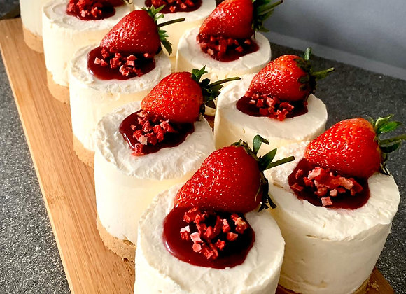 2 Grazable Classic Vanilla Cheesecake With Fruit Topping