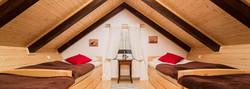 Sleeping area with 4 single beds