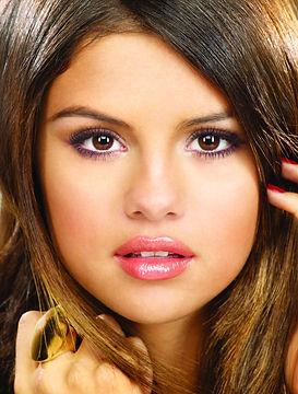 Selena-Gomez-Pressefoto-3-2011.jpg