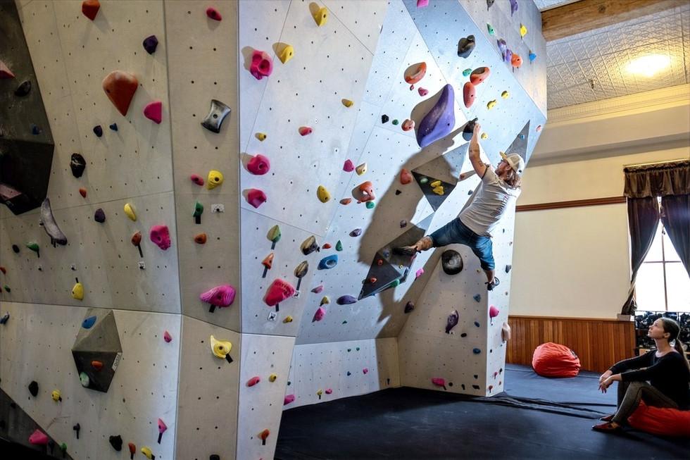 Flux Climbing - Rossland