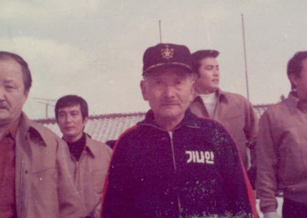 영화촬영 현장에서 일가 선생(1967년)