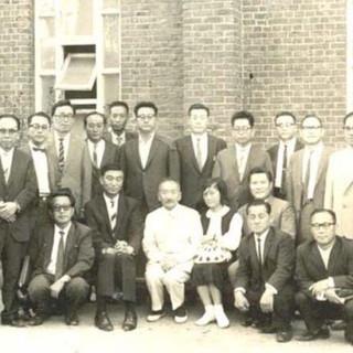 막사이사이상을 수상후 초동교회에서 특별집회를 마친후(1966년)