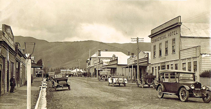 Tapanui's Street of Old