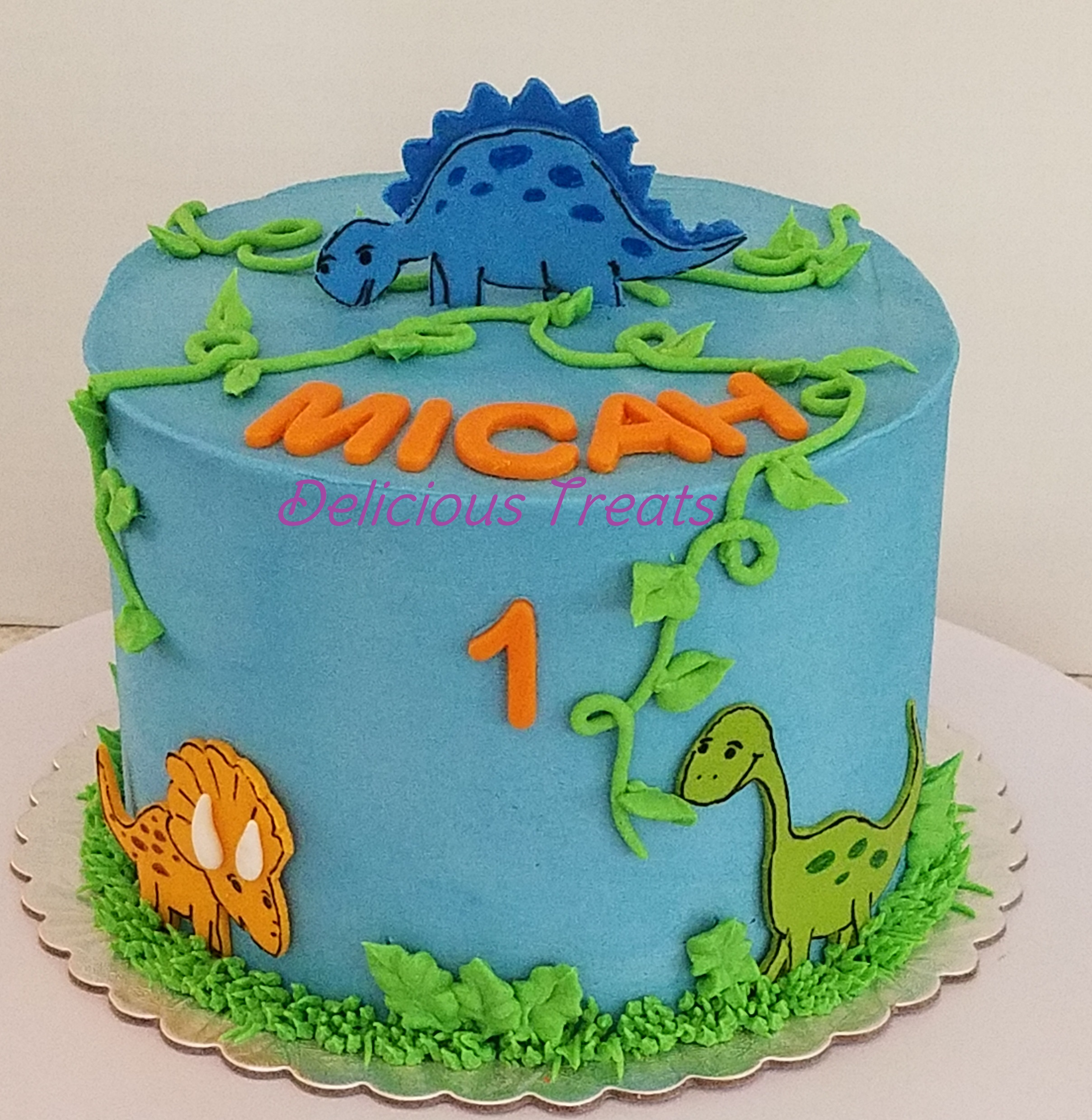 Dinosaur theme smash cake