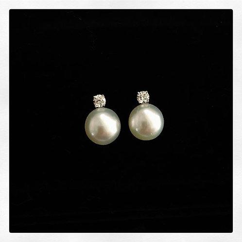 South Sea White Pearl Earrings with Diamond