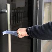 handle-hacks-hands-free-door-opening_dez