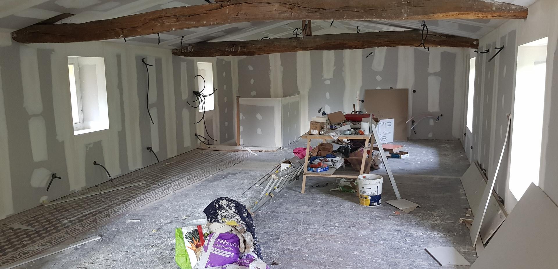 rénovation en plomberie et électricité d'une maison des années 1800