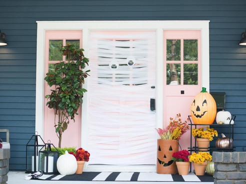 Thrilling & Chilling - Halloween Inspo to Dress up Your Front Porch...