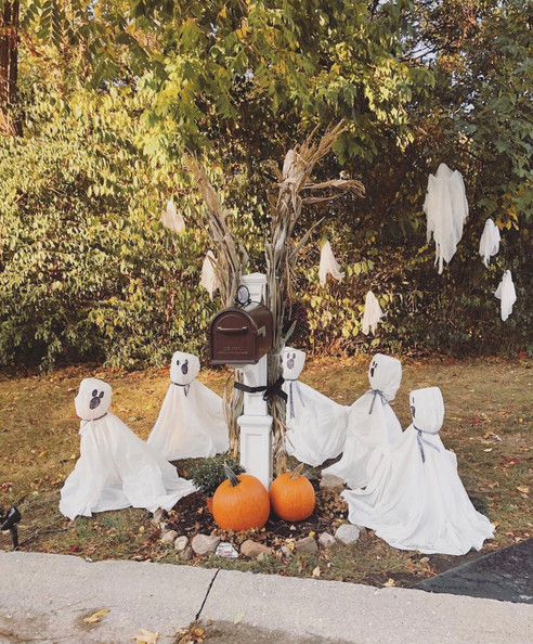 Easy and Unique Outdoor Halloween Decor Ideas-Part One