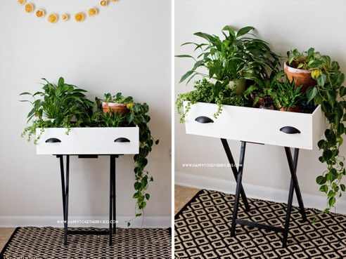 Make Your Own Pretty Plant Stand....