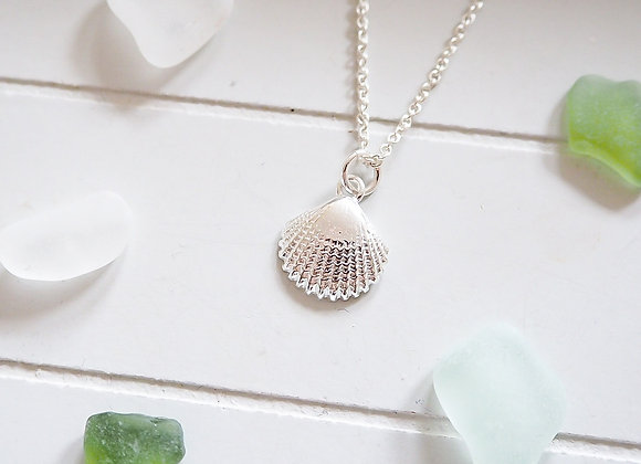 Sterling Silver//Shell necklace
