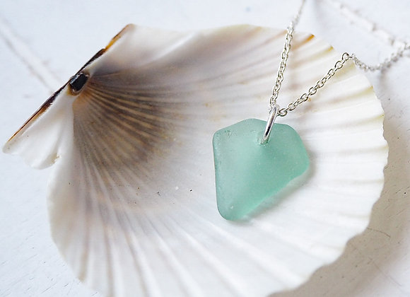 Highland//Small turquoise sea glass necklace
