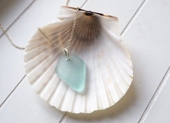 Highland//Turquoise sea glass necklace
