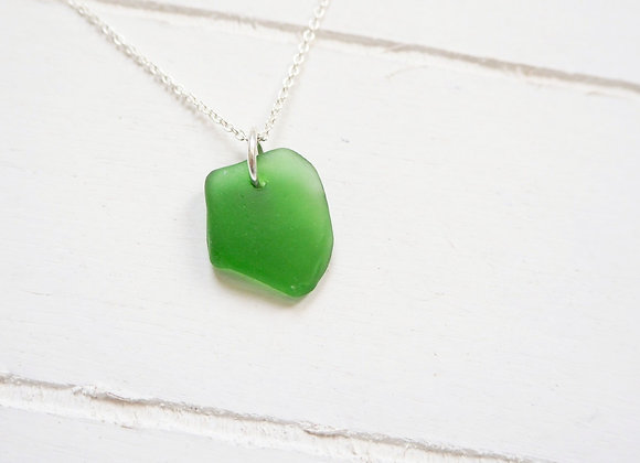 Highland//Vibrant green sea glass necklace