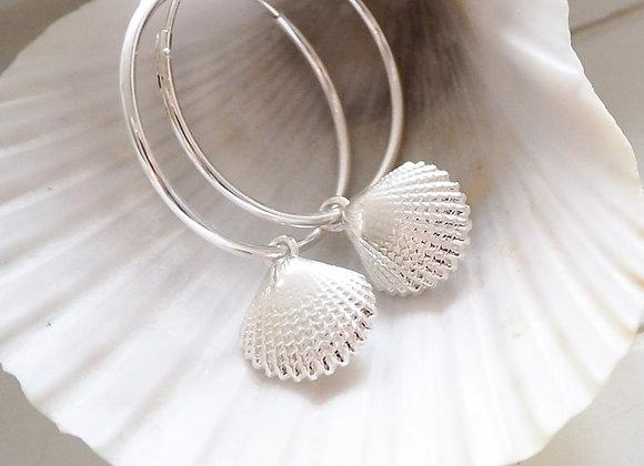Sterling Silver//Shell hoop earrings