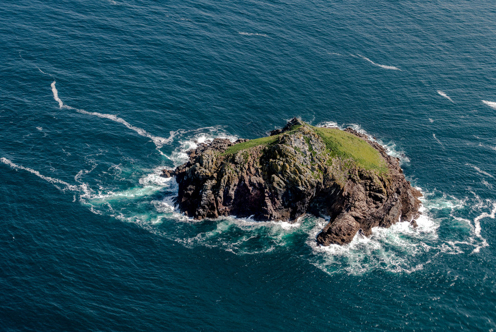 Mouls Island Polzeath North Cornwall.jpg