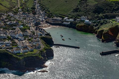 Port Issac North Cornwall.jpg