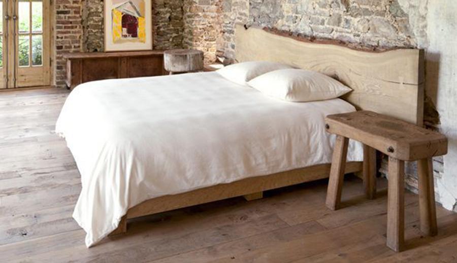Κρεβατοκάμαρα με πλάτη κορμό