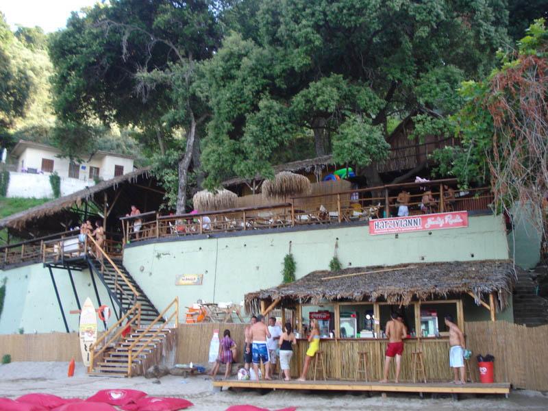 Μamba beach bar