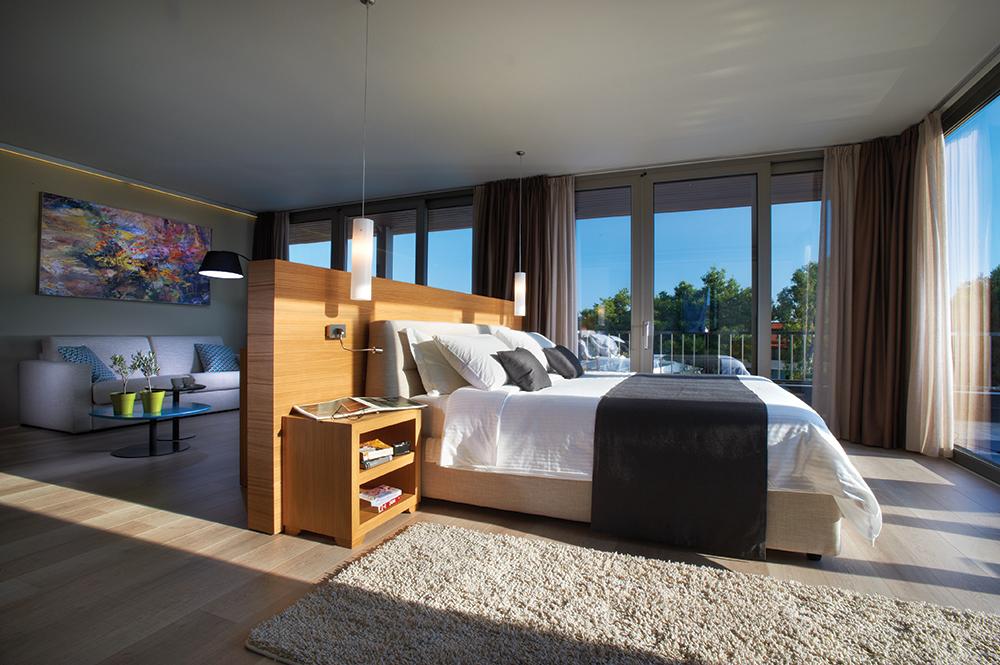BLUE DOLPHIN HOTEL_BDH2844