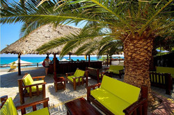 Mendi Beach Bar σαλονάκια