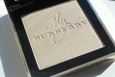 Burberry Gold Glow Fragranced Luminising Powder