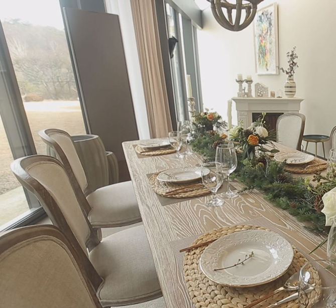 1층 식탁4