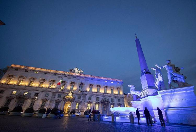 piazza-quirinale-illuminata-blu-giornata-autismo