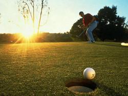 Osez le golf à Grospierres...
