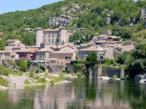 Vogué (en bord de rivière)