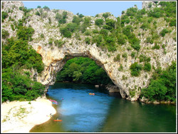 Le célèbre Pont d'Arc