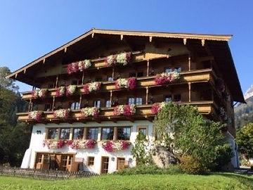 Kirchdorf-Tirol-01.jpg