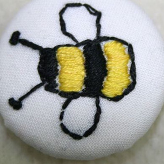 Bee Dorset Button