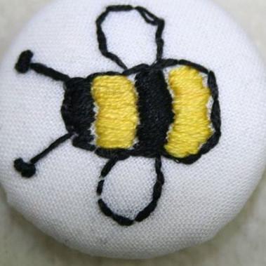 Bee Dorset Button
