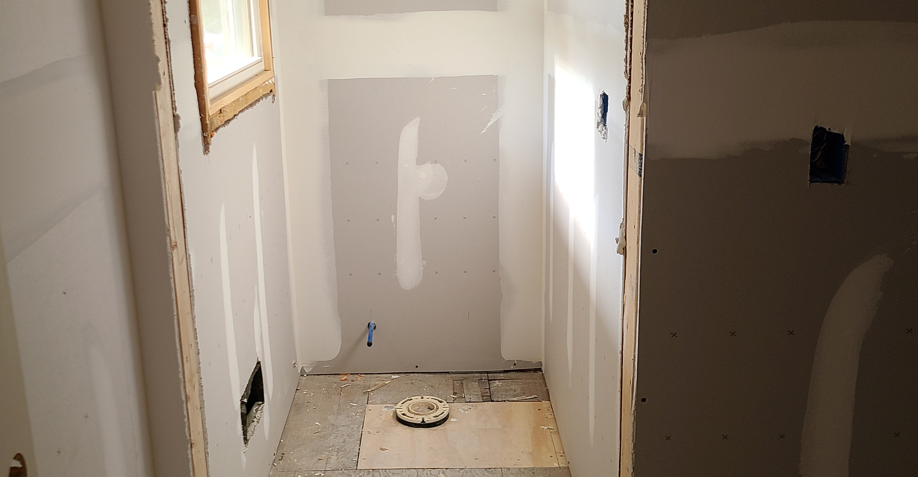 Drywall - Master Water Closet
