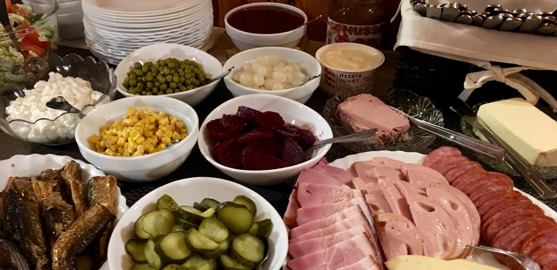 Buffet hommikusöök - Külalistemaja Kikas
