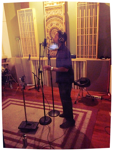 M.Class Dias tracking vocals at Atlas Sound. Year 2012.