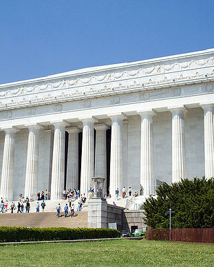 1200px-Lincoln_Memorial_Close-Up.jpg