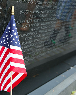 Vietnam memorial in Washington DC.jpg