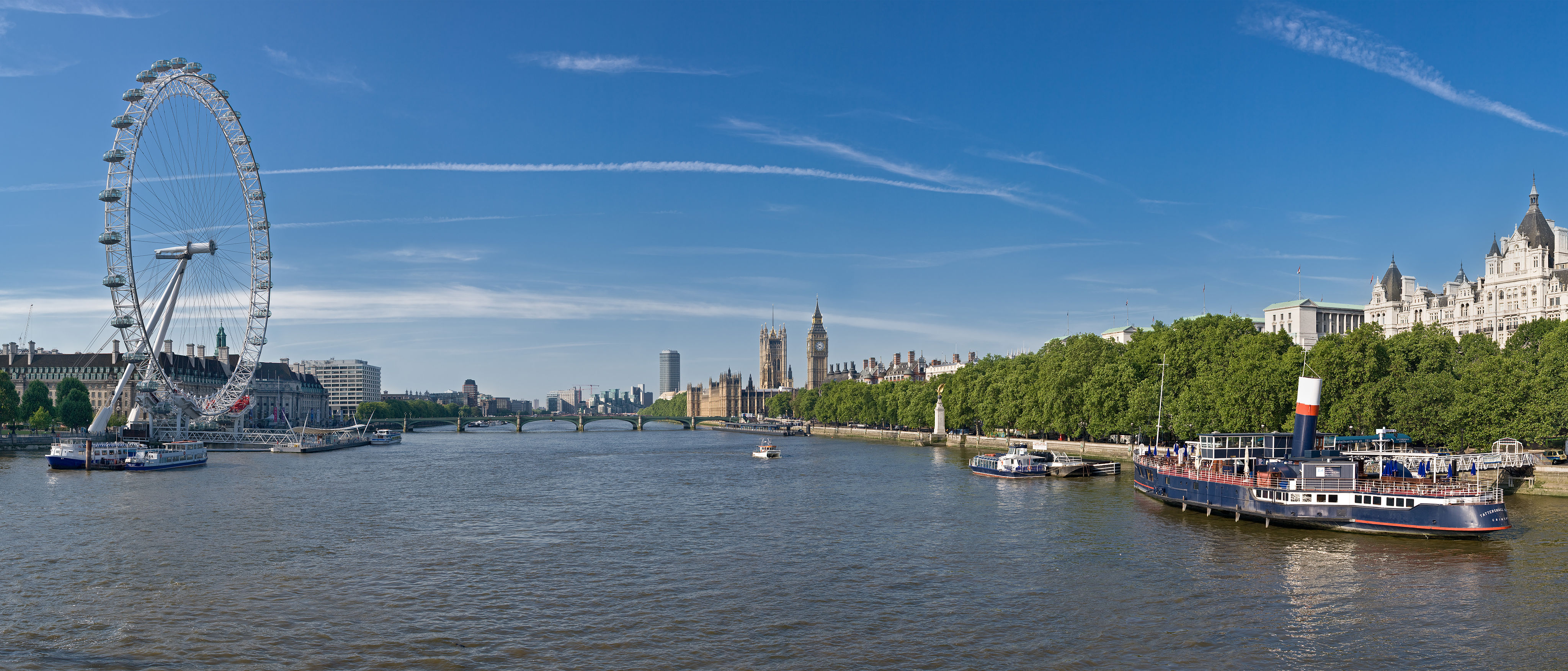 Thames_Panorama,_London_-_June_2009.jpg