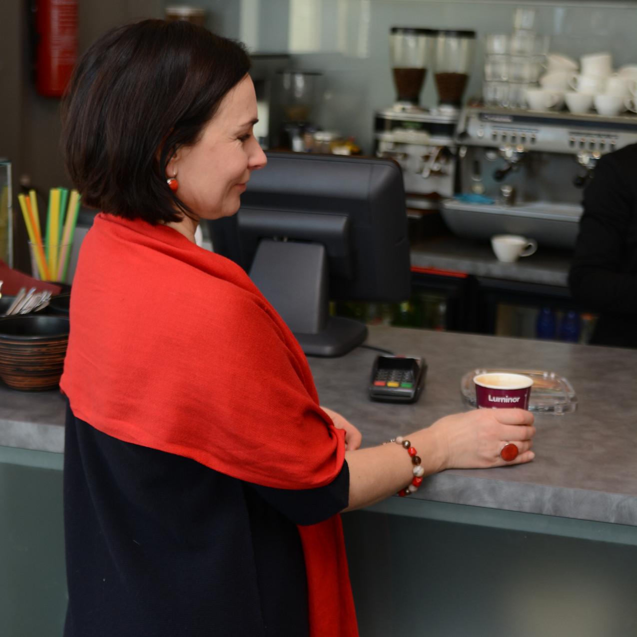 Klient kohvi nautimas
